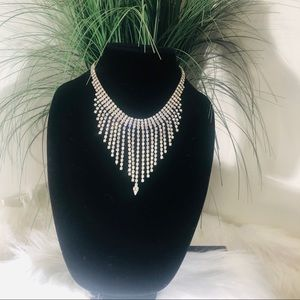 Beautiful silver rhinestone necklace